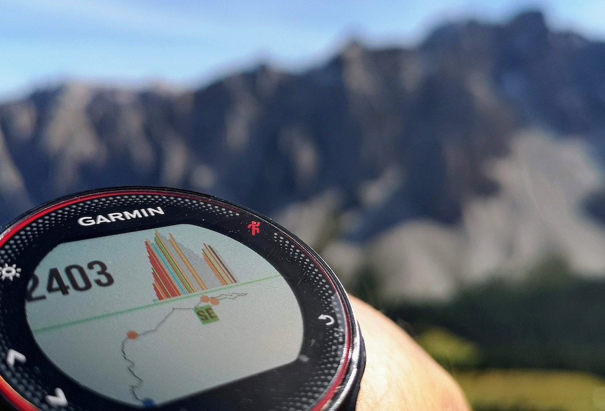 Garmin-watch-in-alps