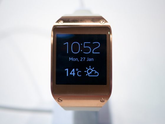 rose-gold-samsung-watch