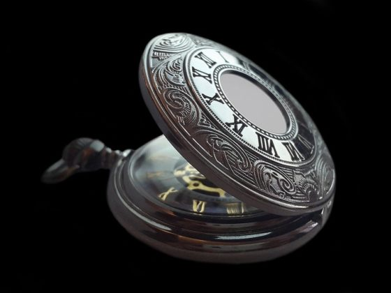 silver-pocket-watch