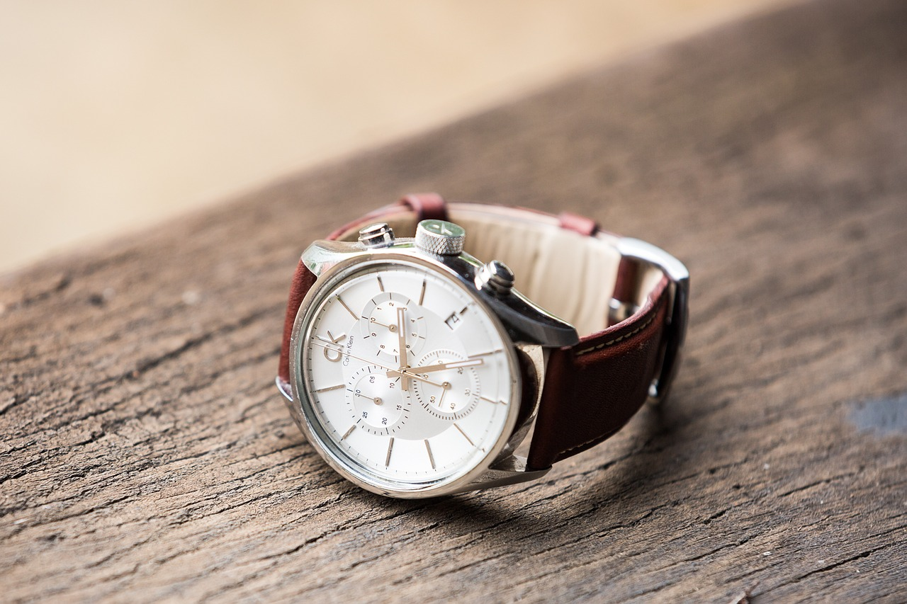 watch-with-leather-strap