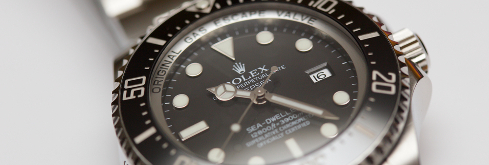 rolex-sea-dweller-close-up